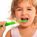 歯磨き 虫歯 歯ブラシ 仕上げ磨き