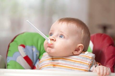 赤ちゃん 離乳食 食べる