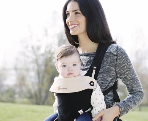ママ 抱っこ 抱っこ紐 女の子6か月