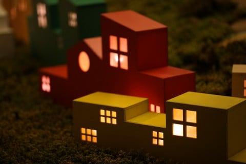 風景 夜 家 ランプ