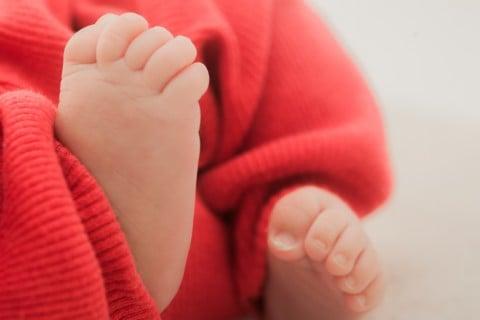 新生児 足 赤 0ヶ月 1ヶ月
