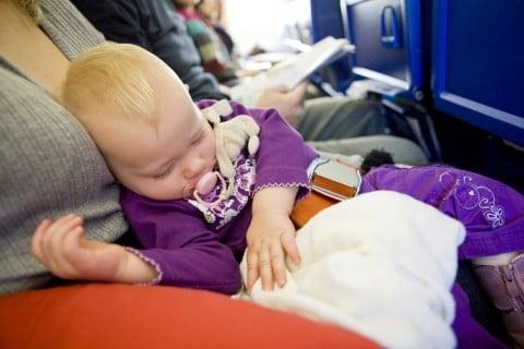赤ちゃん 飛行機 座席 旅行