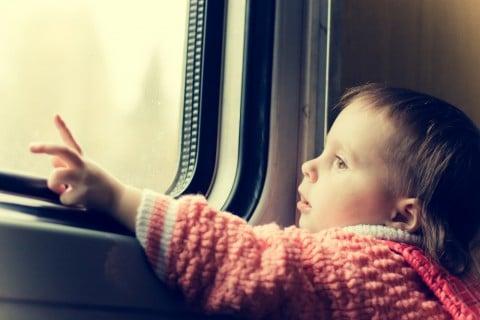 赤ちゃん 電車 乗り物 お出かけ