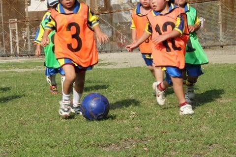 子供 運動 サッカー