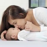 ママ 歯磨き 赤ちゃん3か月 やりかた