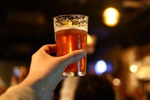 飲食 お酒 アルコール 乾杯