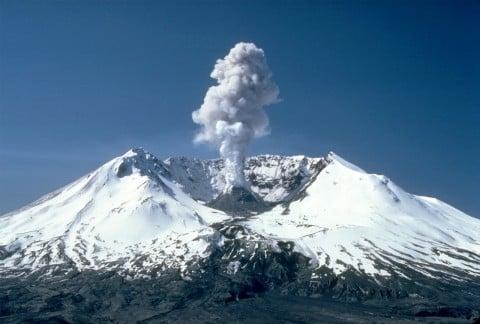 風景 山 噴火