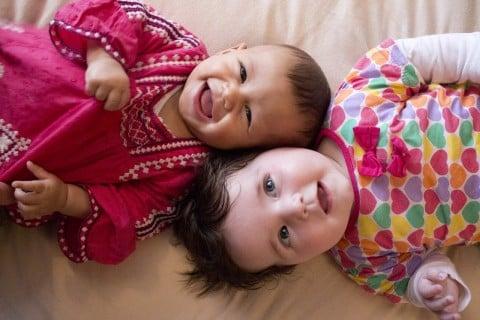 赤ちゃん 女の子 子供 笑顔