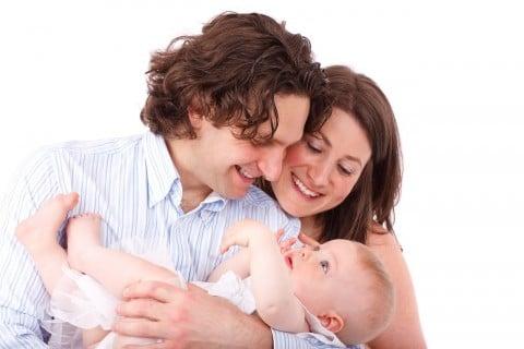 カップル 夫婦 赤ちゃん3か月 家族