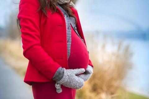妊婦 妊娠後期 寒い 手袋 温まる