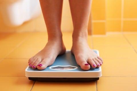 女性 体重 体重計