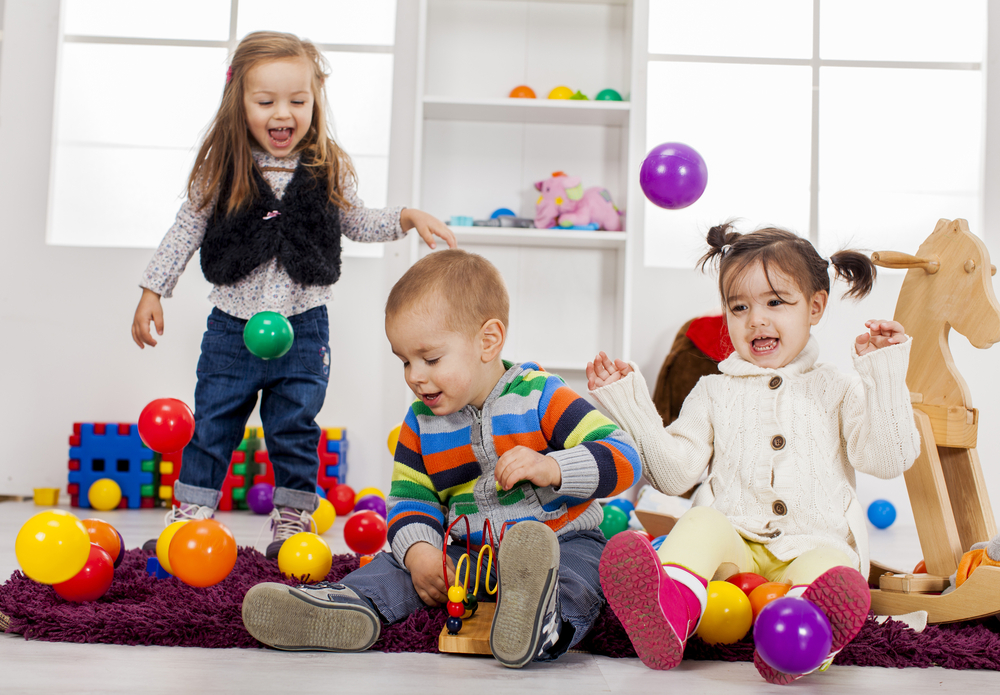 保育園 幼稚園 遊ぶ 子供