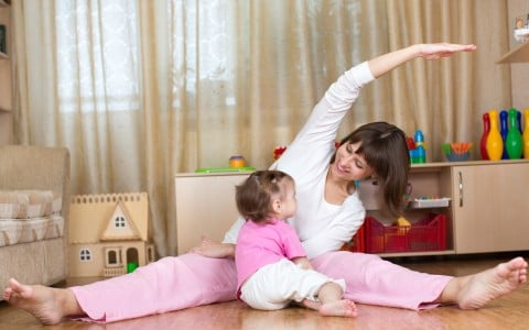 女性 体操 子供 ストレッチ