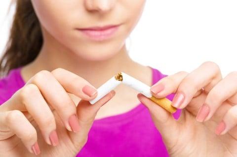 女性 禁煙 たばこ