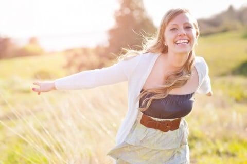 女性 健康 元気 笑顔