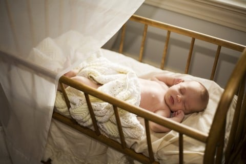 ベビーベッド 赤ちゃん6か月 お昼寝