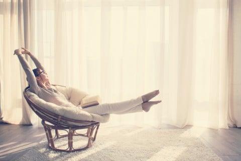 リラックス 女性 伸び