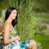 妊婦 公園 笑顔