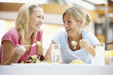 女性 食事
