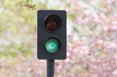 風景 信号機 青 安全