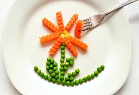 食事 健康 食材 食器 花 フォーク