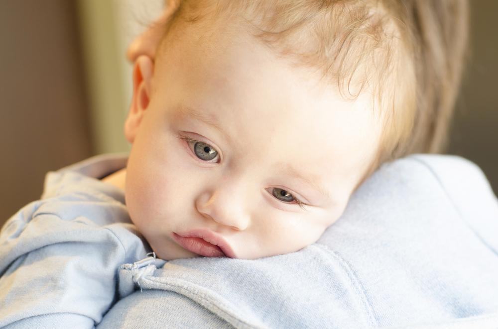 赤ちゃん 男の子 悲しい 眠い