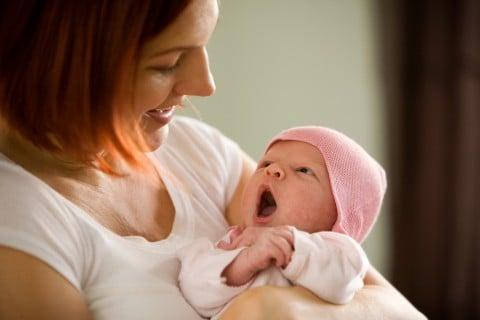 産後 新生児 母親 親子