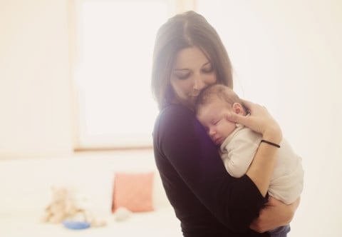 女性 赤ちゃん 子供 親子