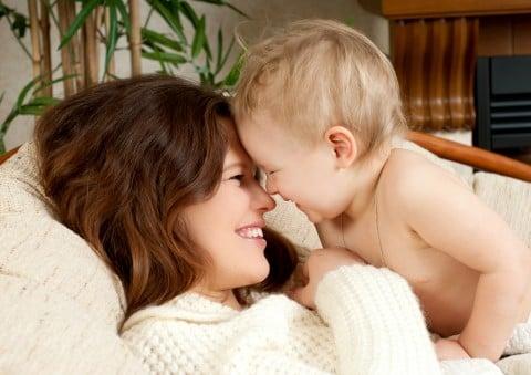 育児 赤ちゃん ママ 笑顔