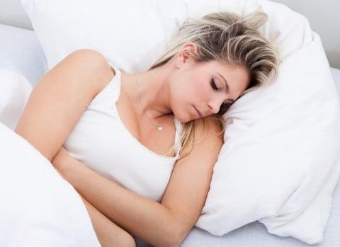 女性 胃 痛い 眠い