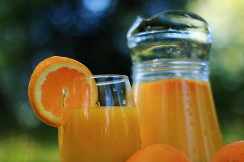 オレンジジュース 飲み物