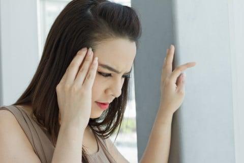 女性 頭痛 めまい