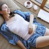 女性 パジャマ 寝る