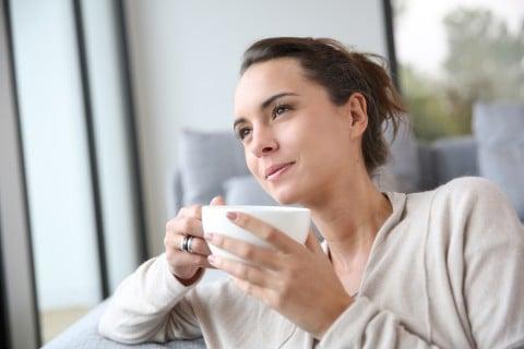 女性 リラックス コーヒー