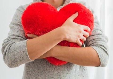女性 心臓 ハート 妊婦
