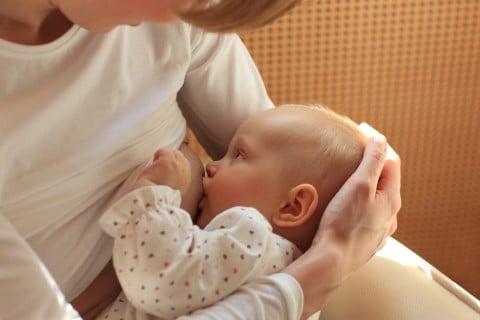 人 人 ない 違い 出る 出 と 母乳 の