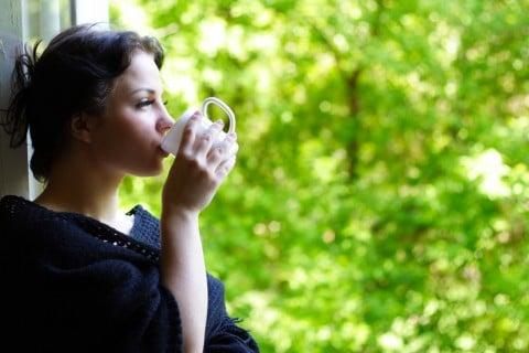 女性 緑茶 リラックス