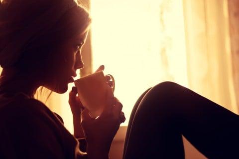 女性 リラックス 落ち込み 飲み物