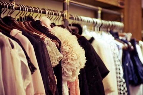 女性 服装 服 クローゼット