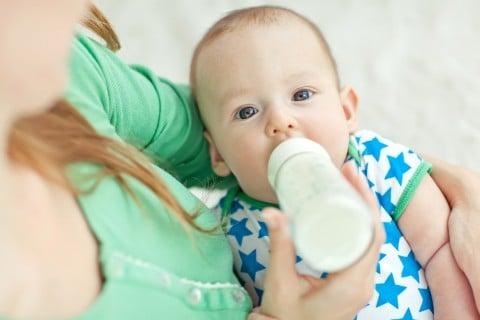 赤ちゃん ミルク