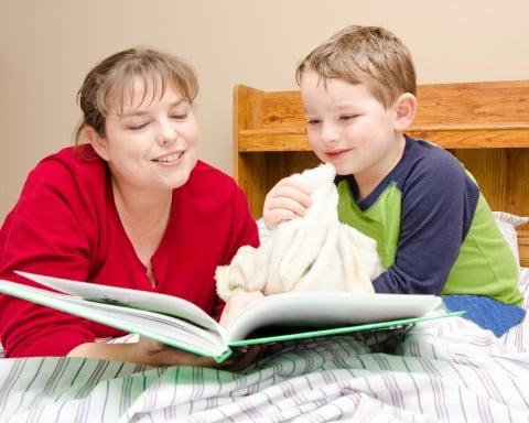 親子 ベッド 息子 子供 本 おやすみ