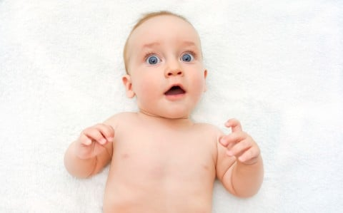 赤ちゃん 乳児 驚き 驚愕 びっくり