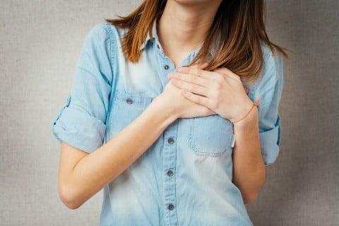 胸 痛い 女性 乳腺炎