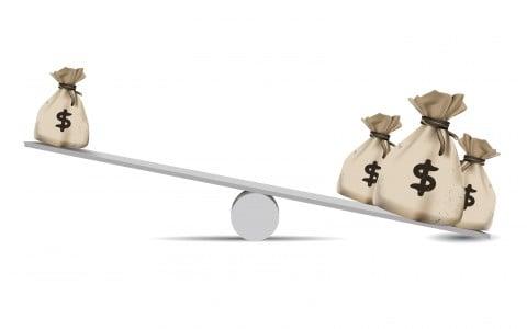 お金 費用 天秤 比較