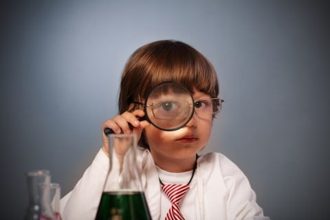 子供 研究 虫眼鏡 注目 発見
