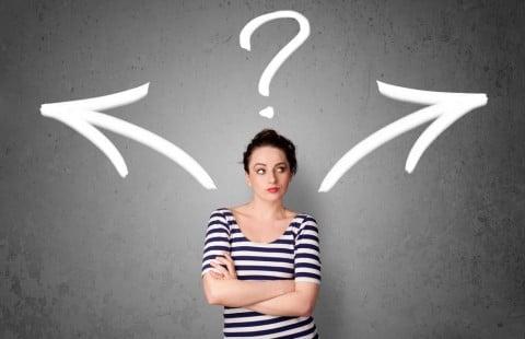 クエスチョン 女性 疑問 どちらか どっちか 選ぶ 選択
