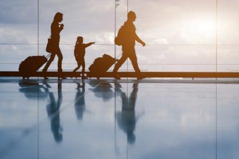 家族 旅行 子供 親