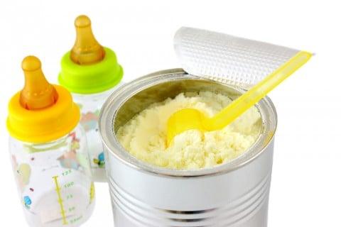 赤ちゃん 粉ミルク 新生児 調乳