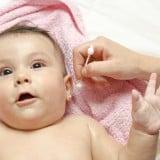 赤ちゃん 耳掃除 綿棒