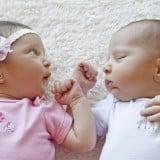 男の子 女の子 赤ちゃん 新生児 男女 双子